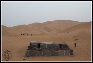 Nuestro campamento de Haimas entre dunas