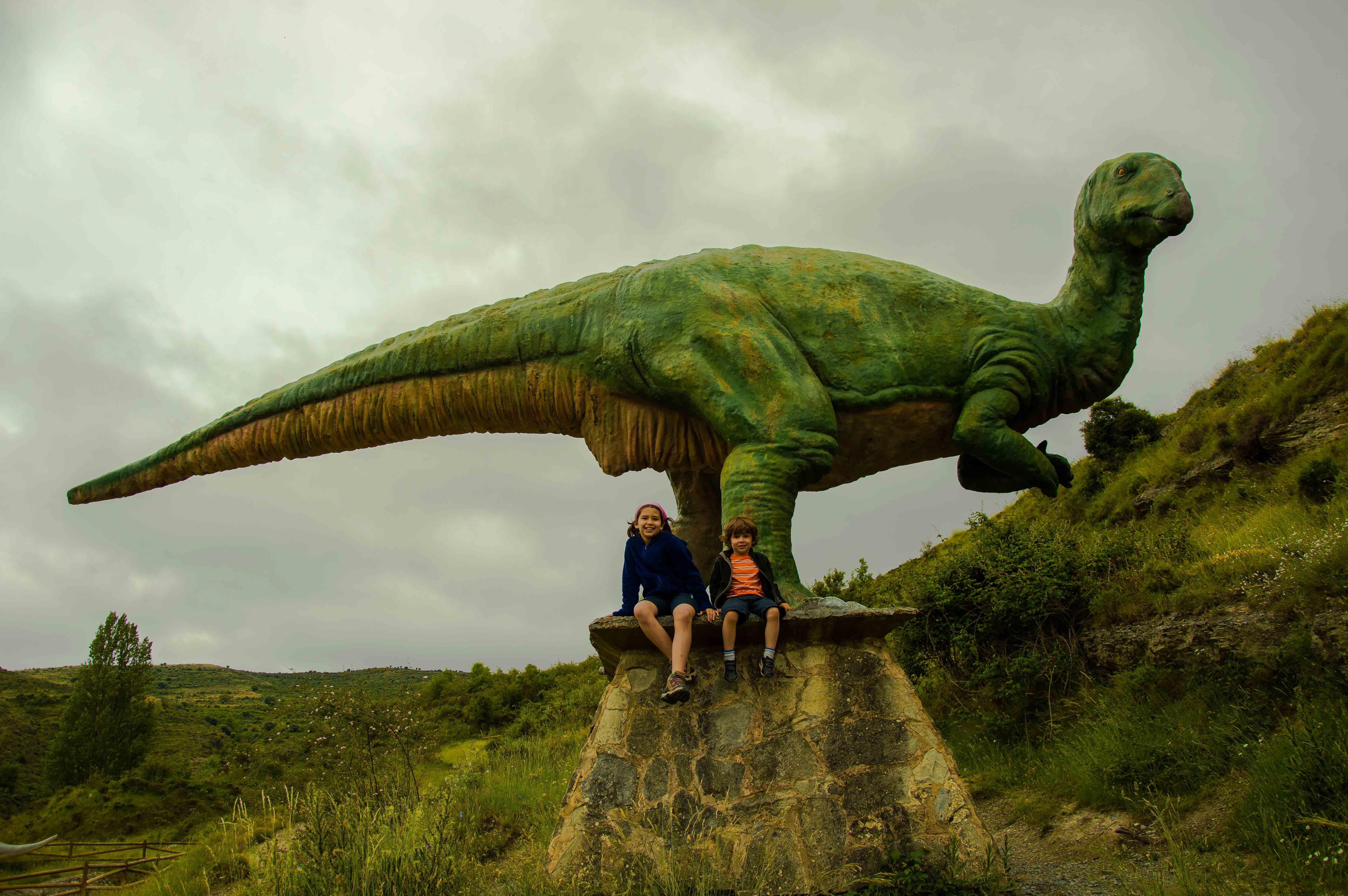 Planes de otoño en furgo. Ruta de los dinosaurios de Enciso