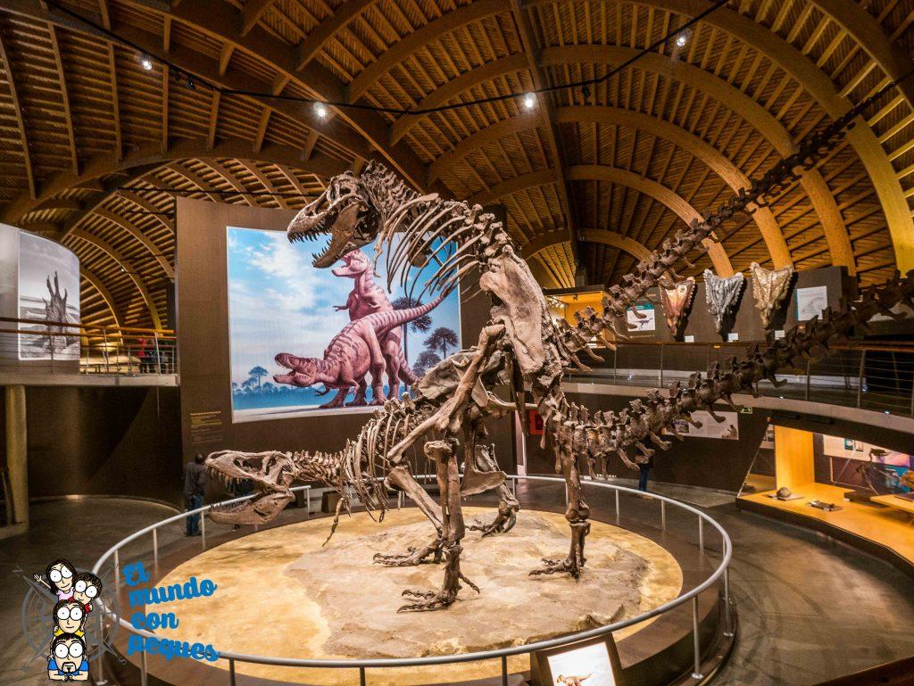 Los tyranosaurus rex a tamaño real en el MUJA. Dinosaurios al natural