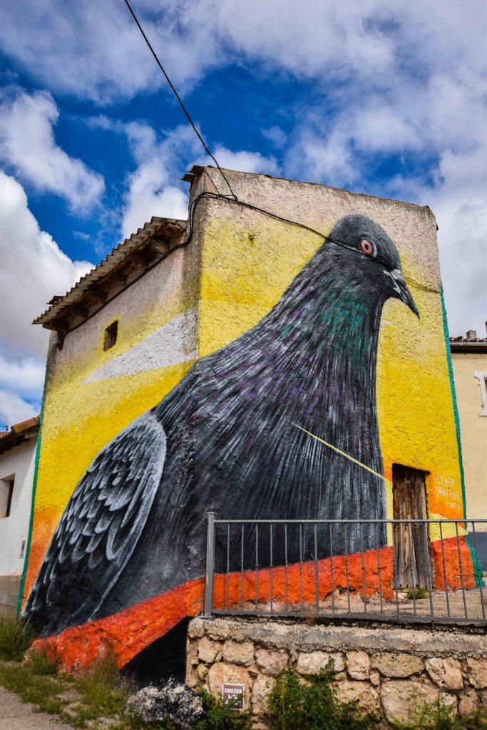 paloma en el palomar. Murales de Villangómez