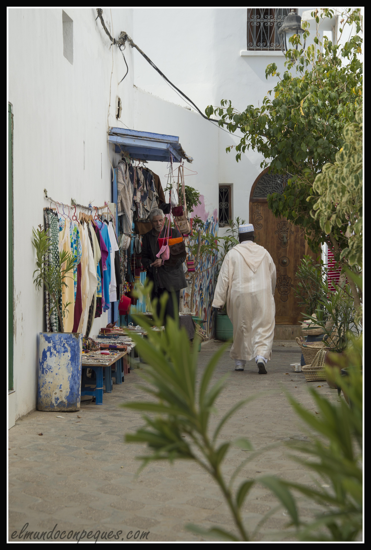 puestos callejeros en la rutina de asilah
